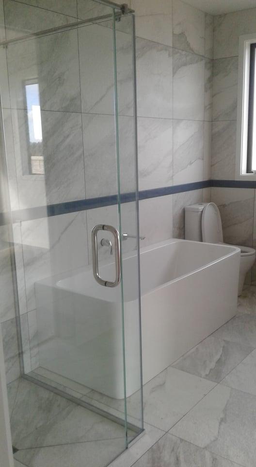 framless shower , d handle.jpg