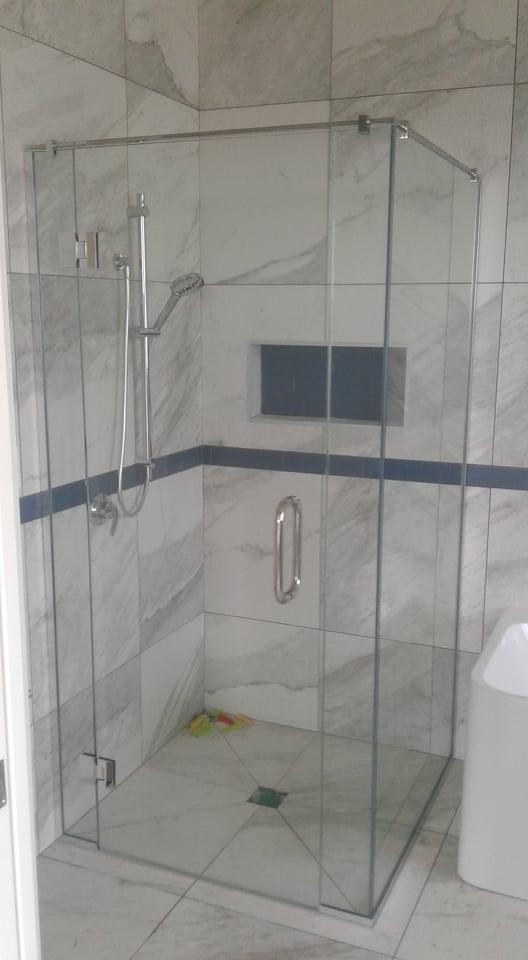 framless shower2.jpg