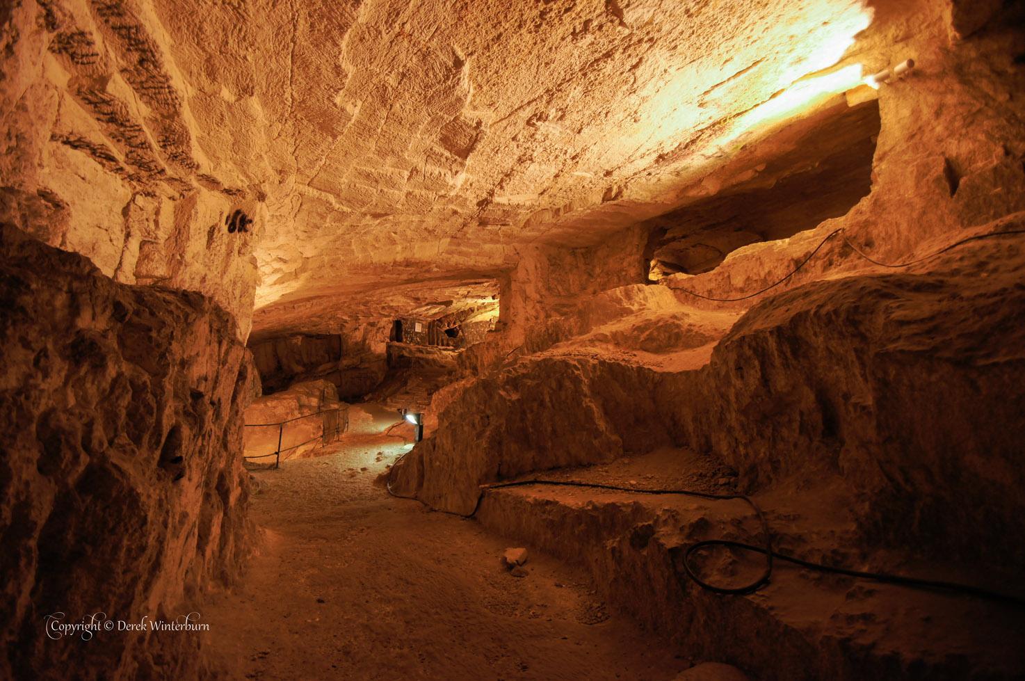 zedekiah's tunnel