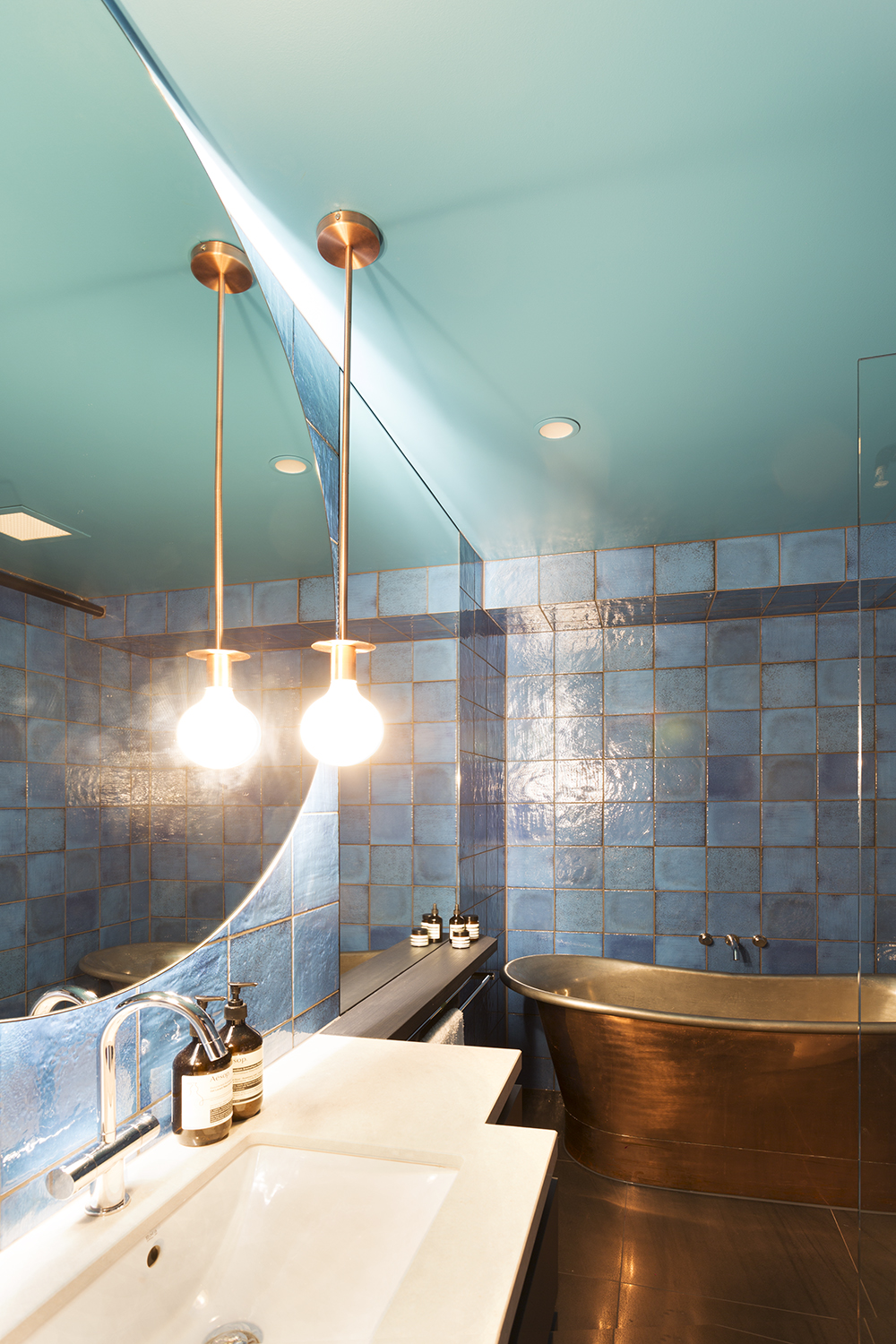 Collingwood apartment bathroom design by Melbourne interior designer Meredith Lee