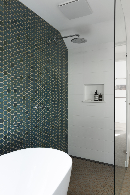 Clifton Hill bathroom design by Melbourne interior designer and interior decorator Meredith Lee