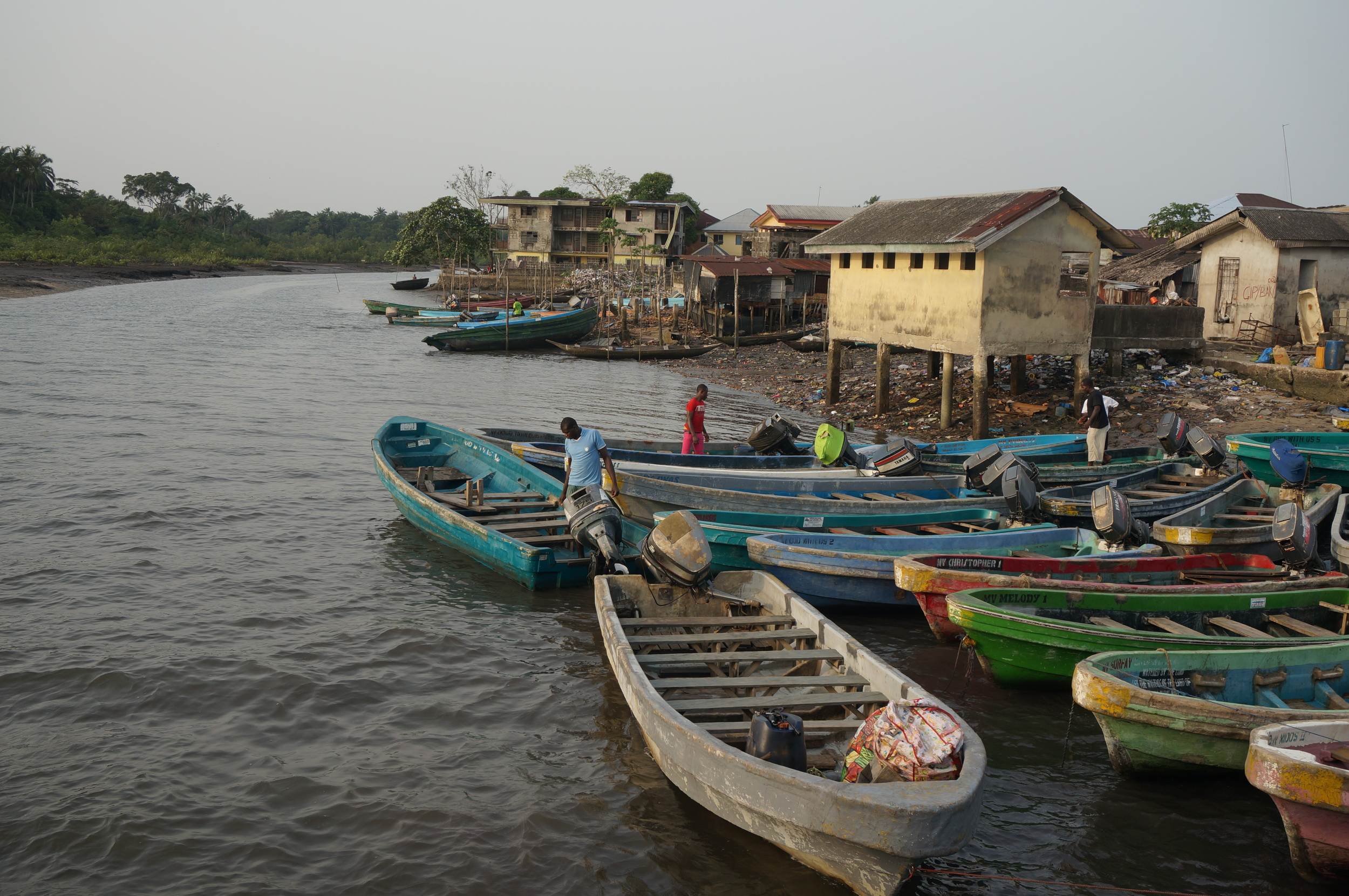 Throughout the Niger-Delta, communities are linked by creeks, creating strong ties between urban waterfronts and rural villages.