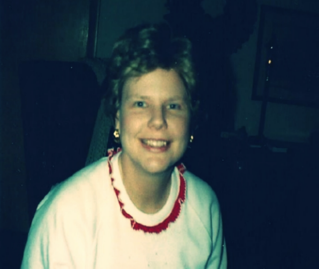 Mom wearing her wig. And December of 1989 making an appearance in the ruffle-collared sweatshirt.