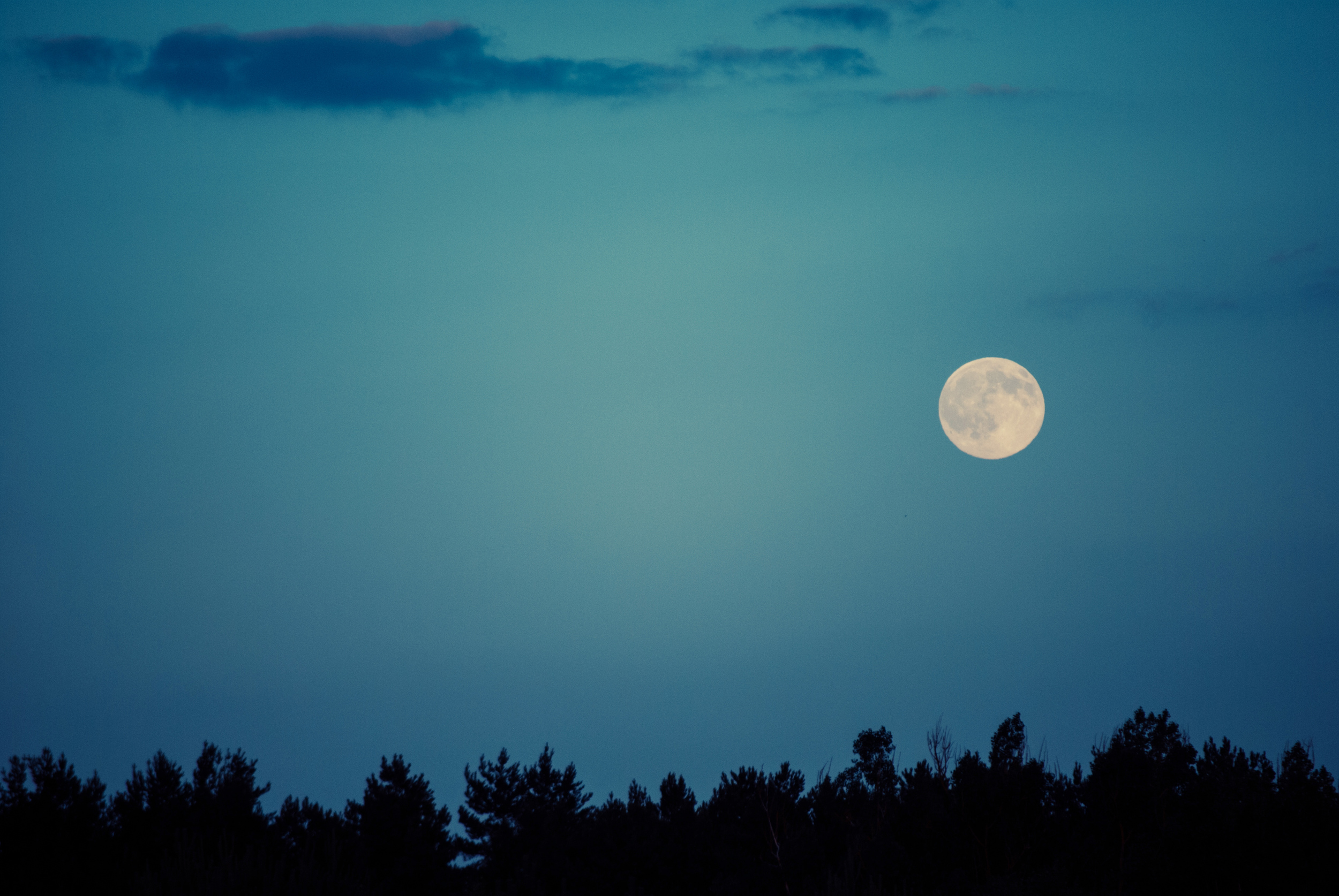 full moon to charge your mala