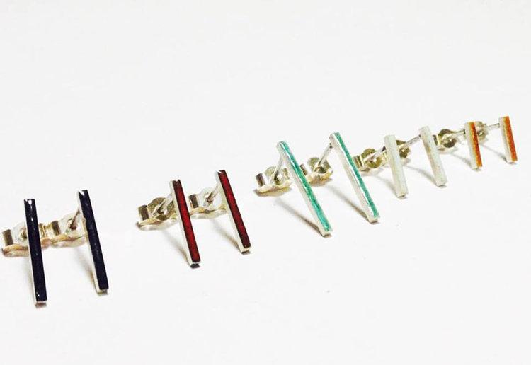 Enamel+line+earrings.jpg
