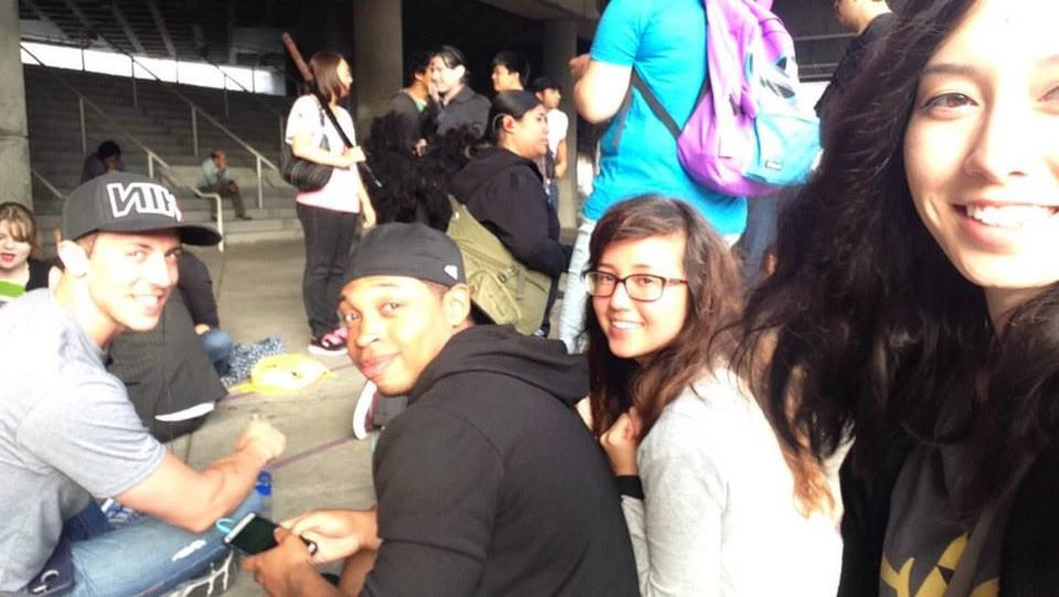 Waiting in Line Con bright & early!