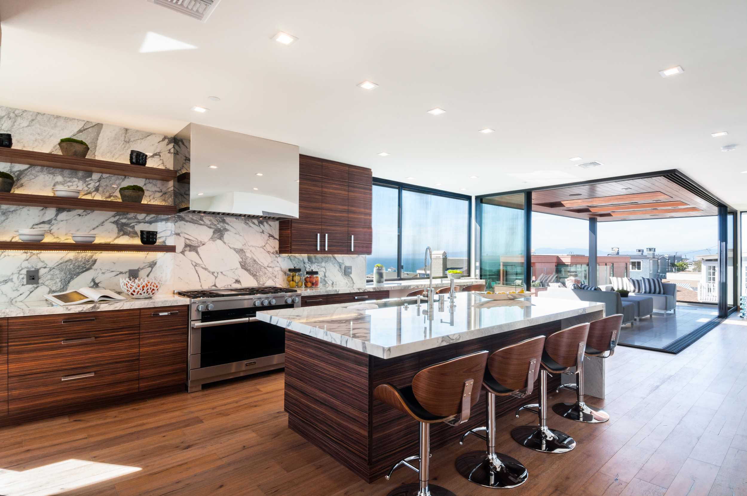 67 kitchen.jpg