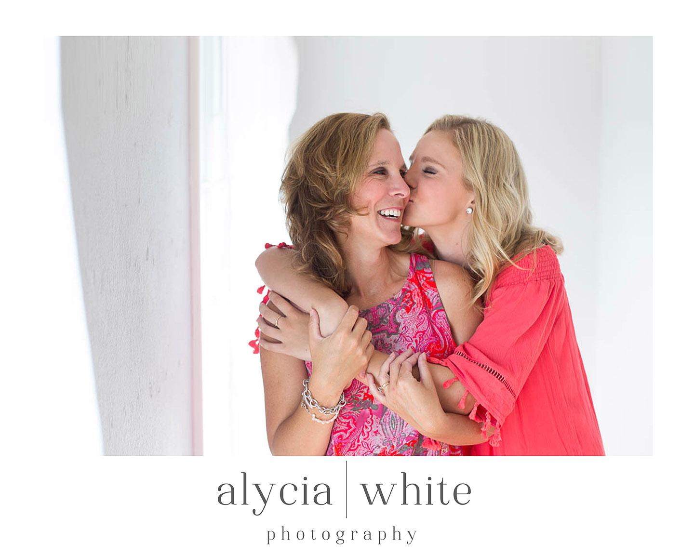 Alycia White Senior Portrait Photography Redmond