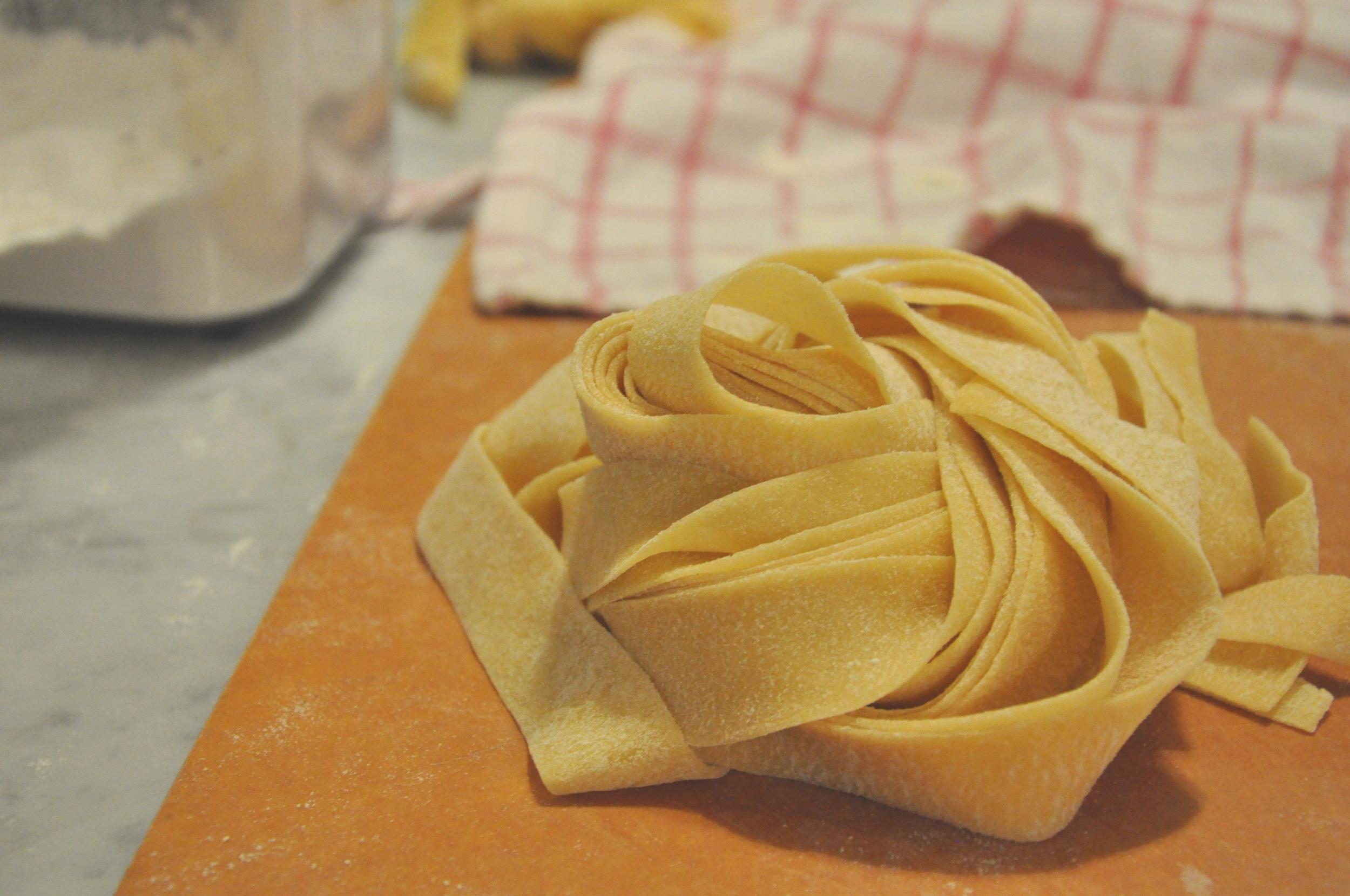 cutting_pasta3_cns.jpg