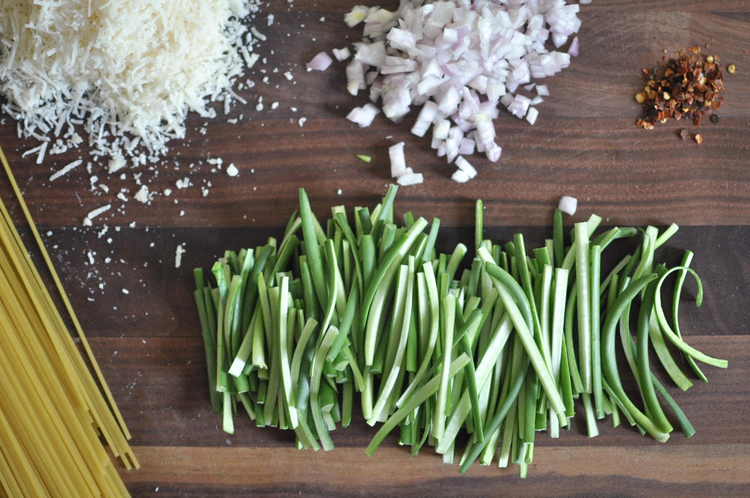 garlic_scape_spaghetti3.jpg