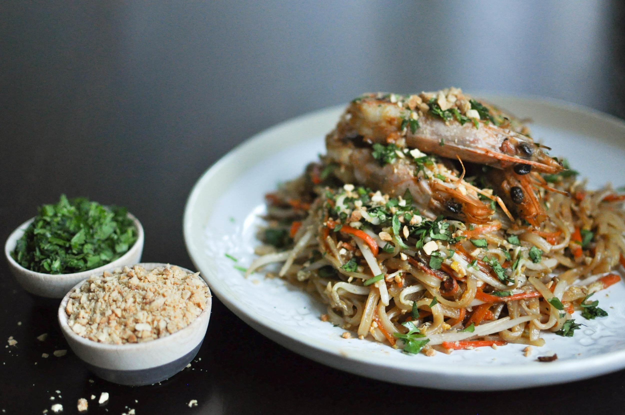 Head-On Shrimp Pad Thai | O&O Eats