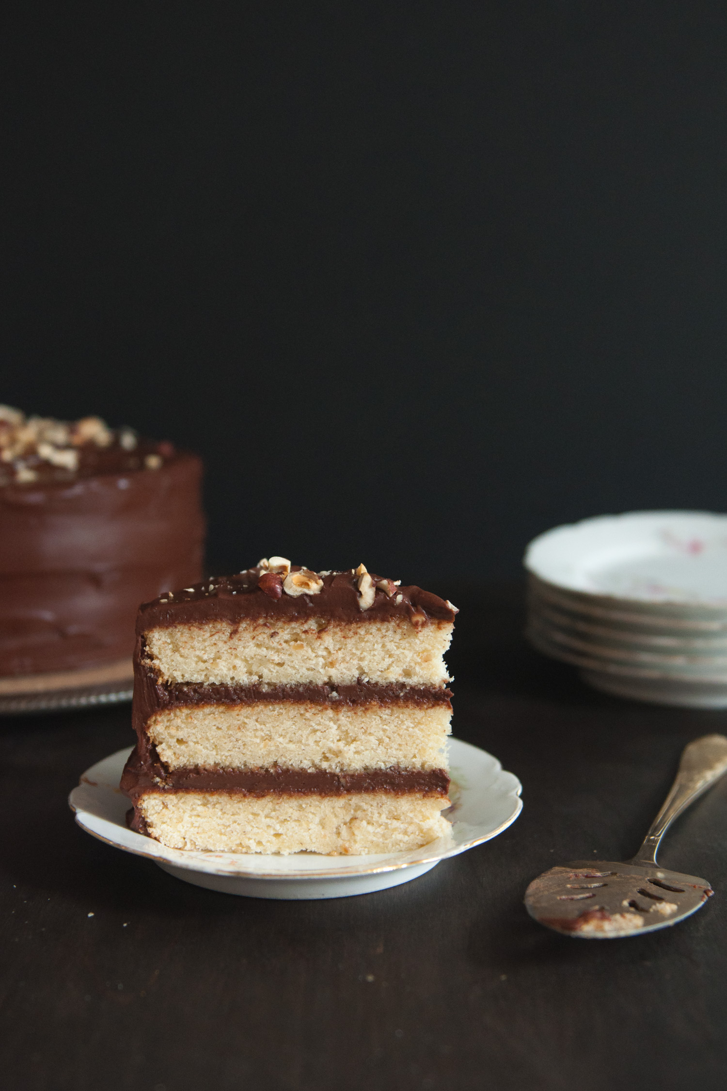 hazelnut_chocolate_cake8.jpg
