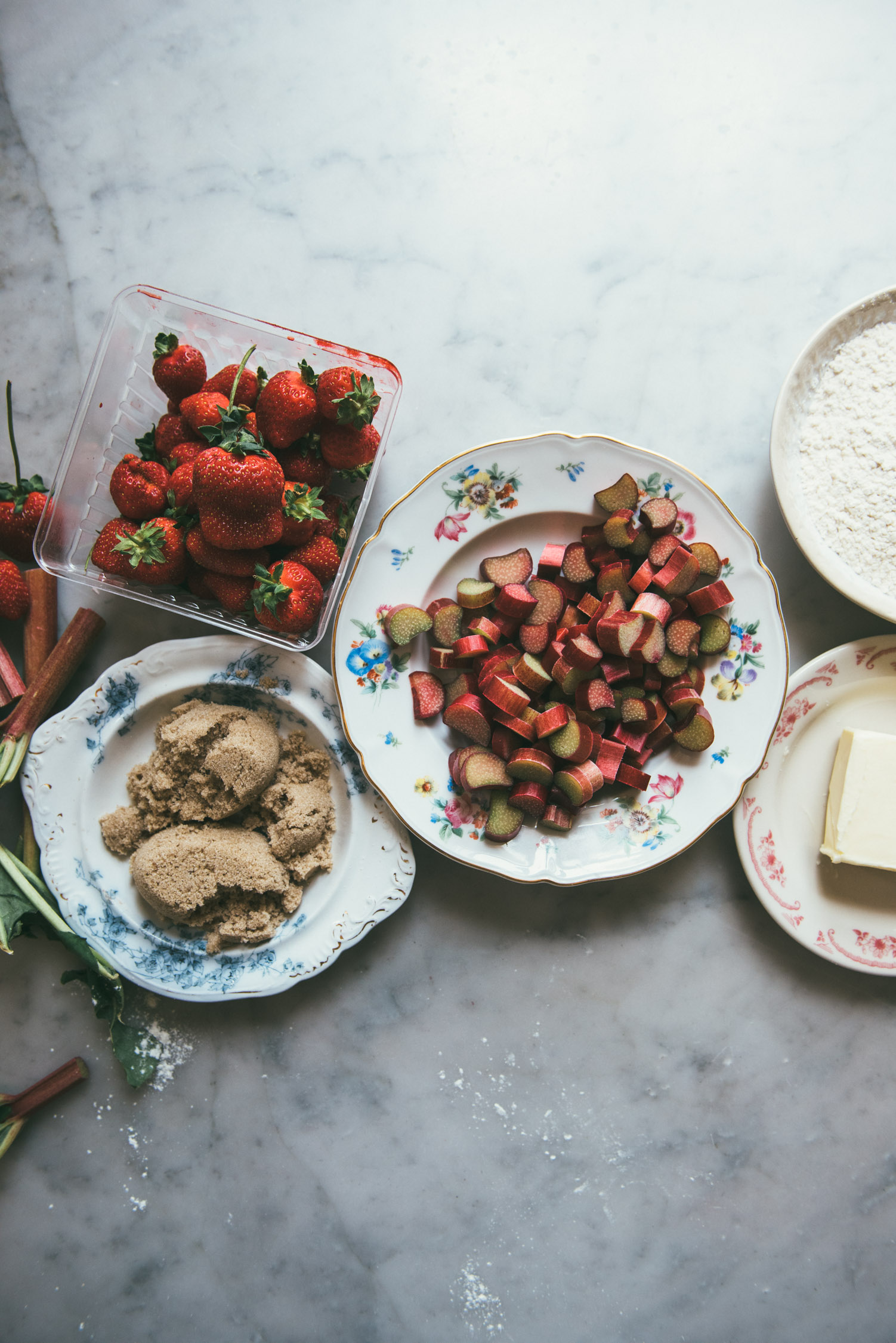 Strawberry Rhubarb Ice Cream Sandwiches