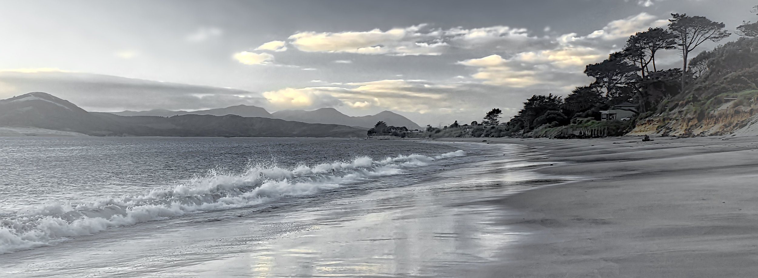 Dusk at the beach; Omāpere, Northland, New Zealand