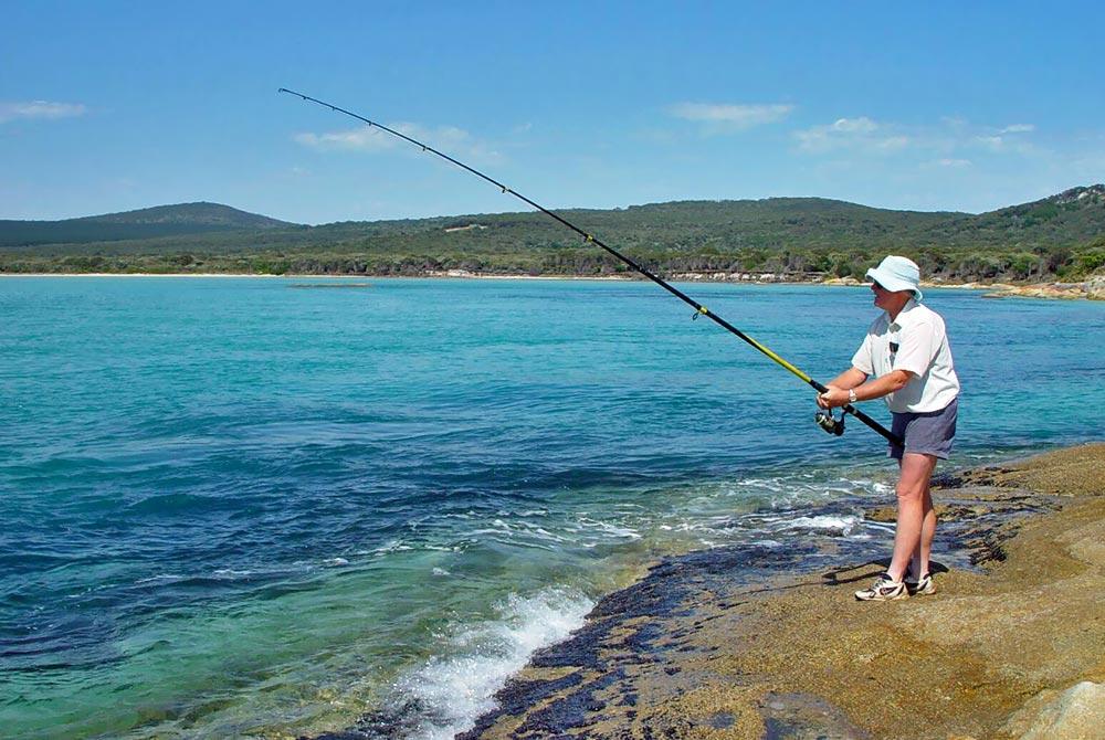 Fishing-at-Holloway-Point.jpg