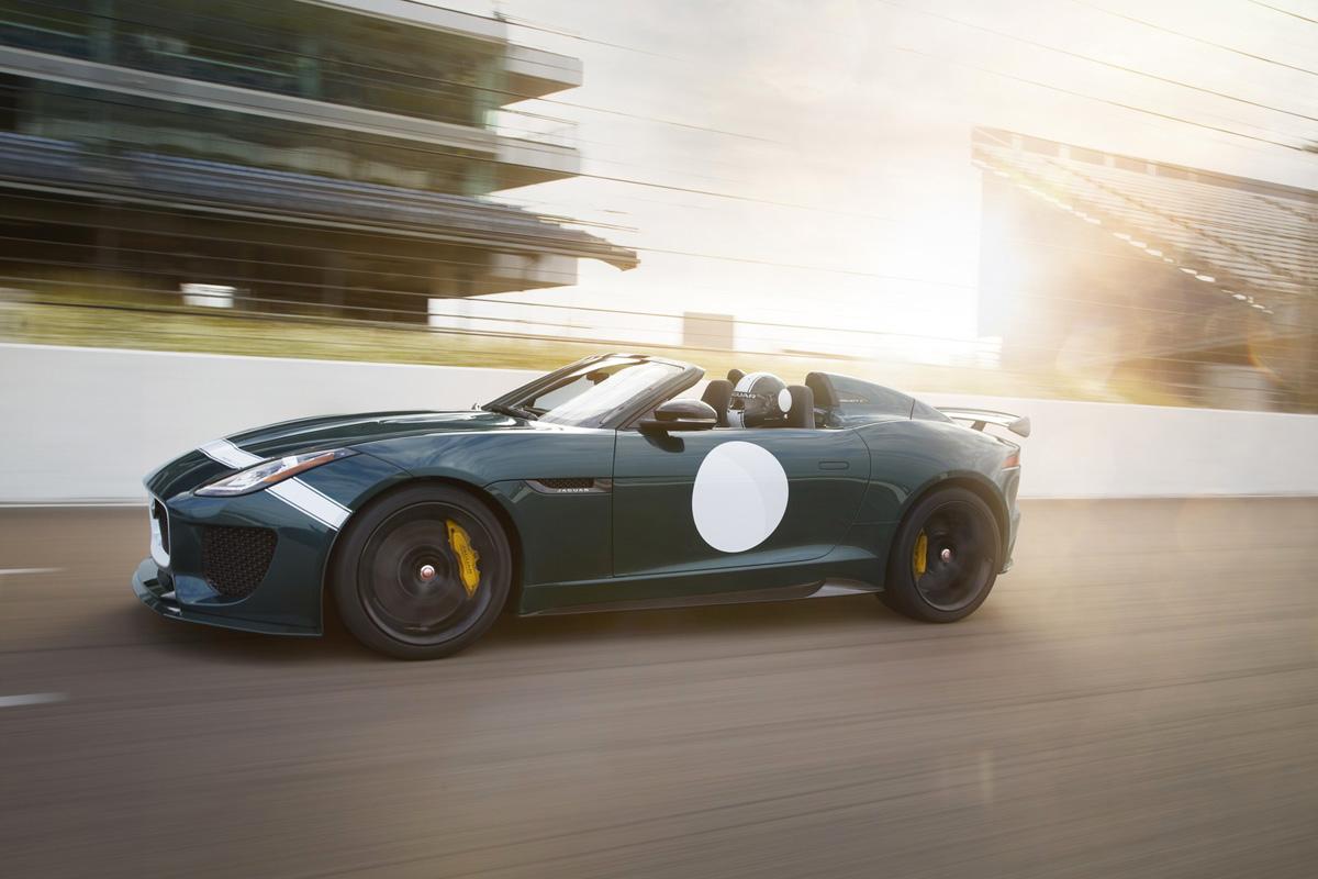 Jaguar-F-Type-Project-7-speeding (1).jpg