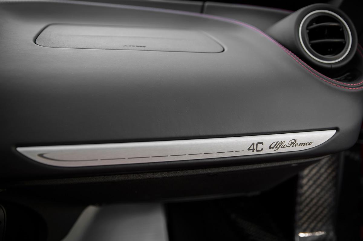 2015-alfa-romeo-4c-dashboard.jpg