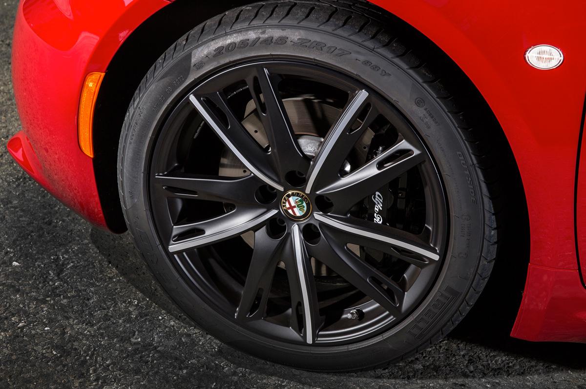 2015-alfa-romeo-4c-wheels.jpg