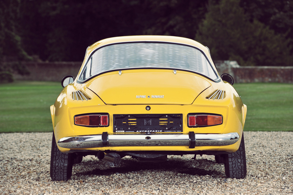 Alpine_A110_Car_11.jpg
