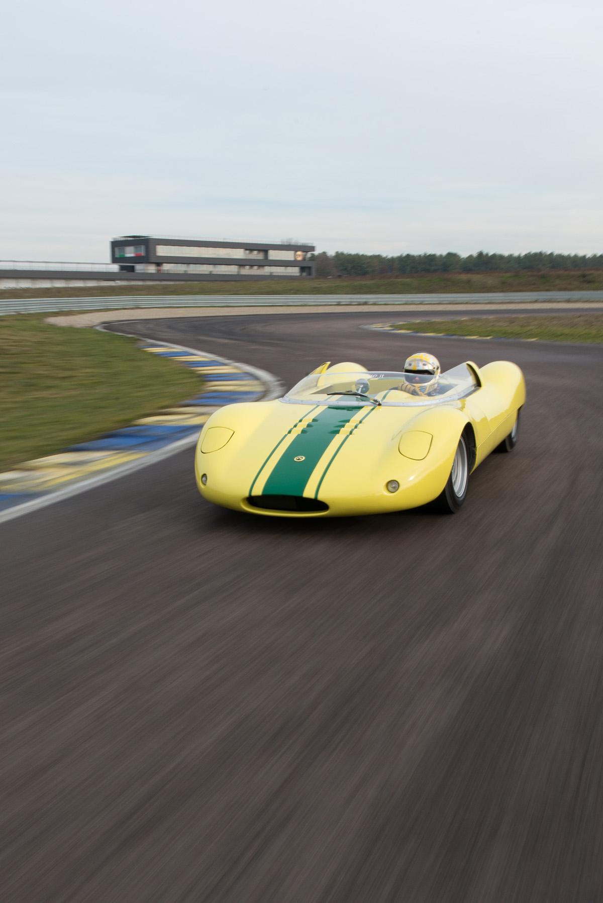 1964 De Sanctis Sport SP 1000-25.jpg
