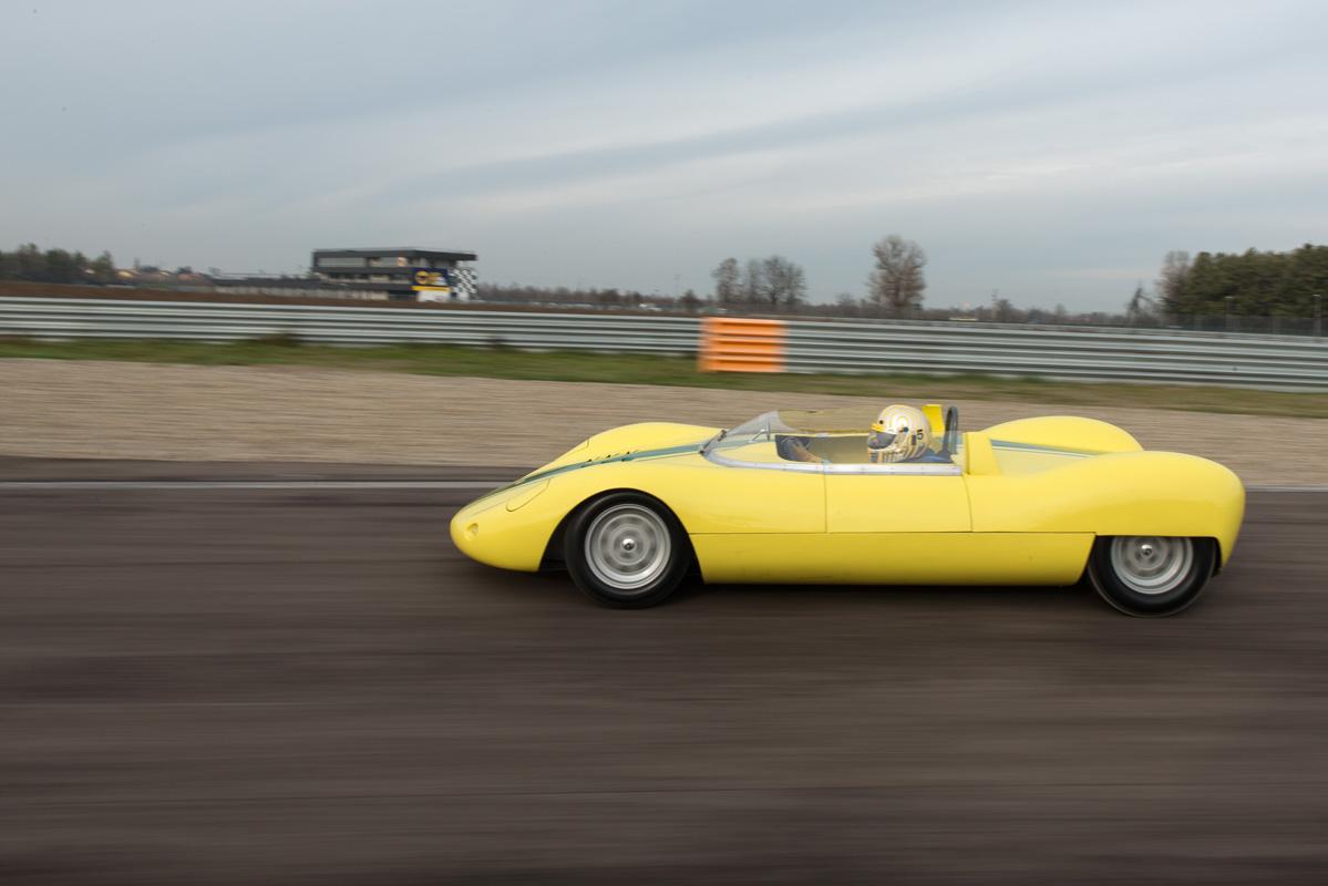 1964 De Sanctis Sport SP 1000-30.jpg