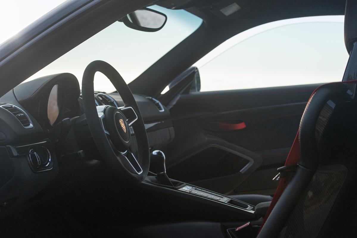 Cayman GT4-8.jpg