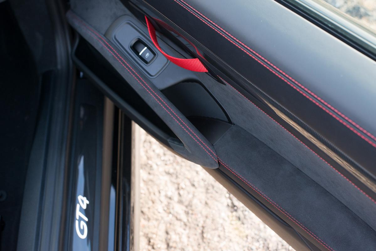 Cayman GT4-12.jpg