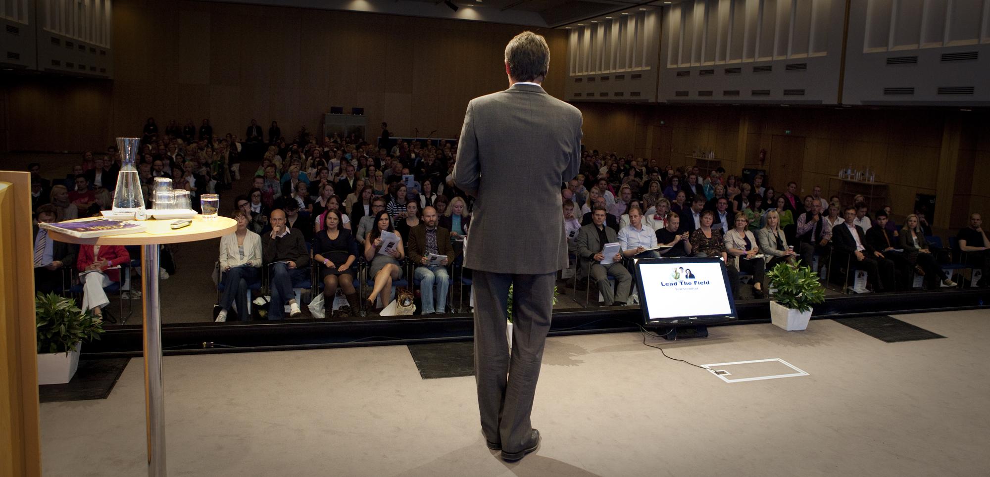 Oddmund Berger Create Your Own Success -seminaarissa