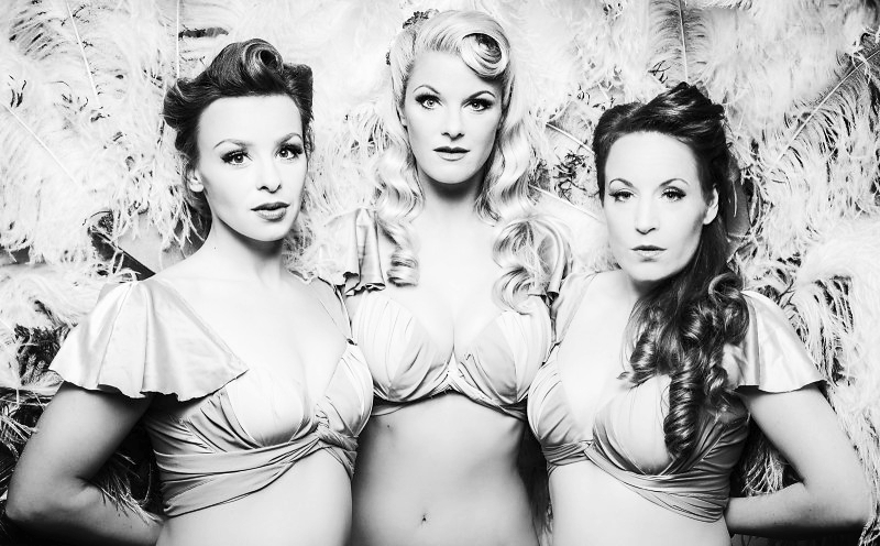 FEMALE SINGERS -
