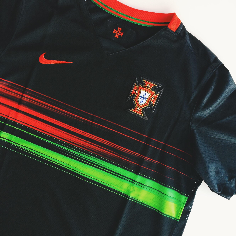 nike-portugal-away-jersey-2015.JPG