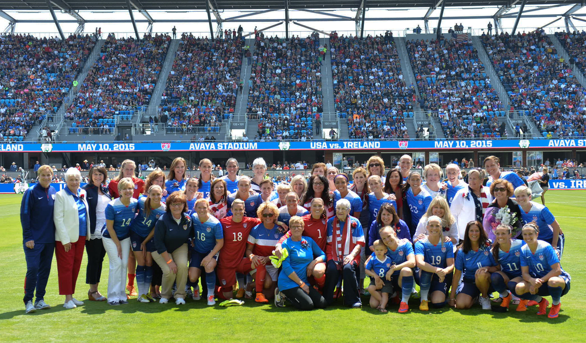 USMNT with their mothers