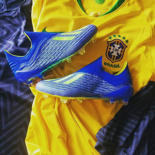 Do you think #Brazil has what it takes to raise the #worldcup ?? With their new number 9, Gabriel Jesus, and his #AdidasX 18+, anything is possible.. Want your own? 👉🏻 https://bit.ly/2HAu53a
