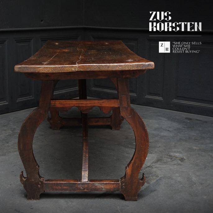 Spanish-Table-02.jpg