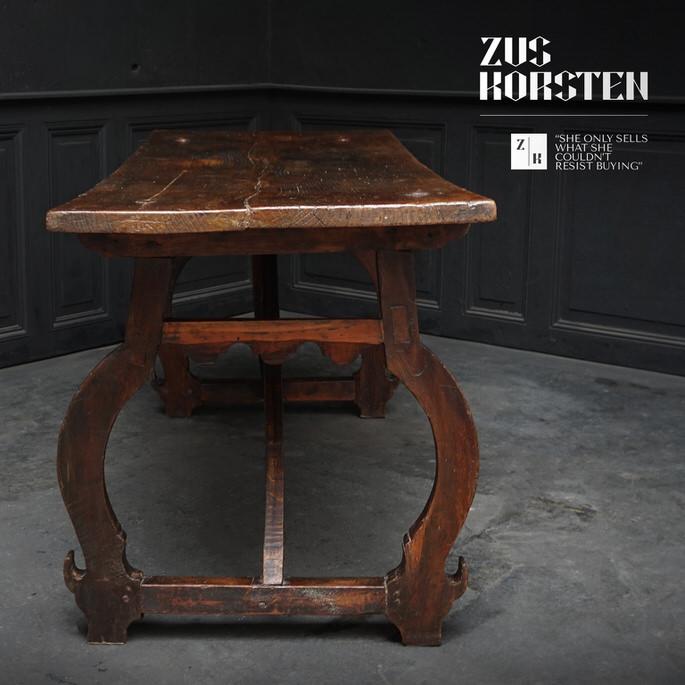 Spanish-Table-03.jpg