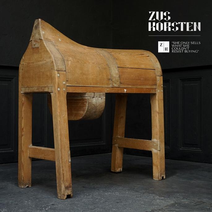 Saddle-Horse-01.jpg
