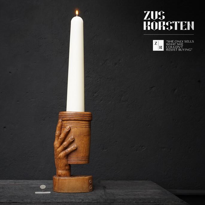 Hand-Candleholder-01.jpg