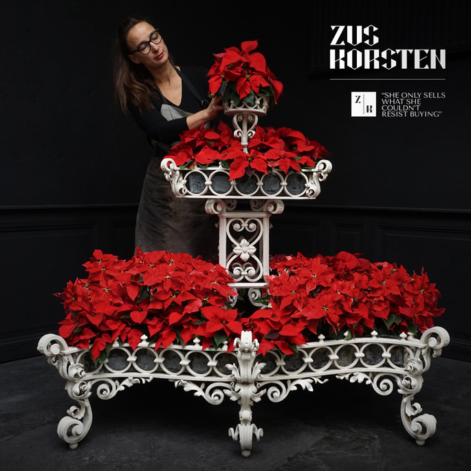Christmas-Planter-01.jpg
