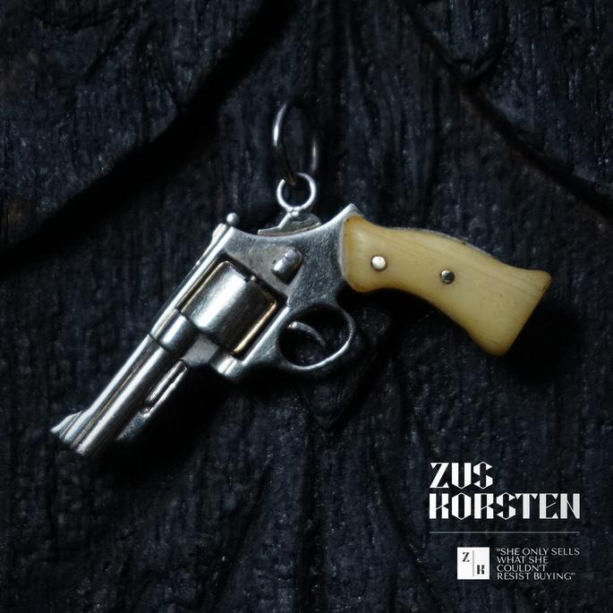 Golden-Gun-06.jpg
