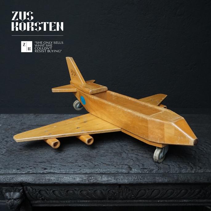 wooden-Plane-Toy-06.jpg