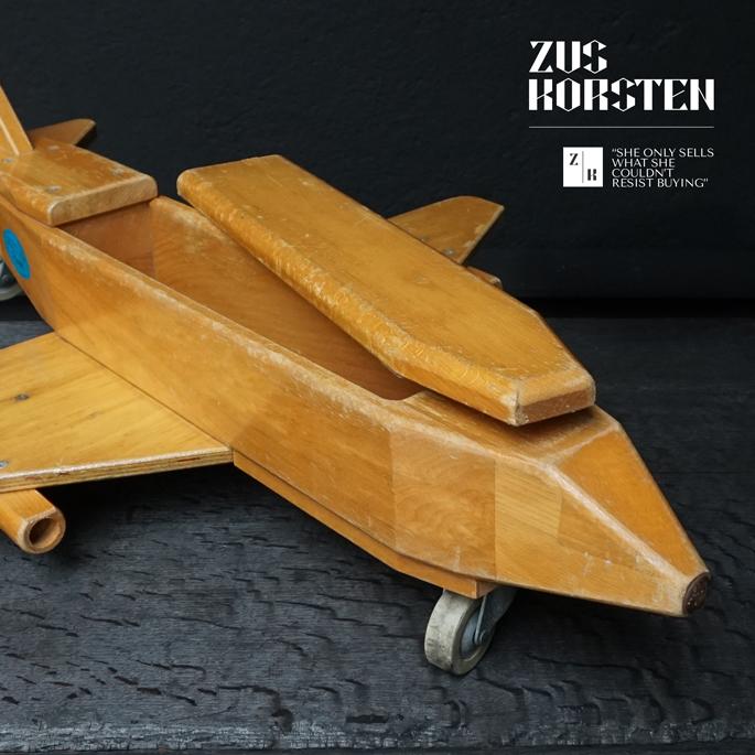 wooden-Plane-Toy-07.jpg