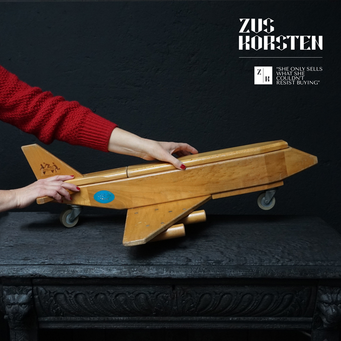 wooden-Plane-Toy-09.jpg