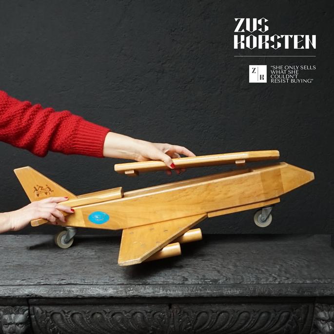 wooden-Plane-Toy-10.jpg