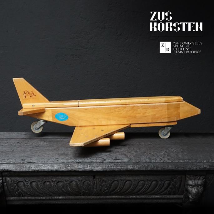 wooden-Plane-Toy-11.jpg
