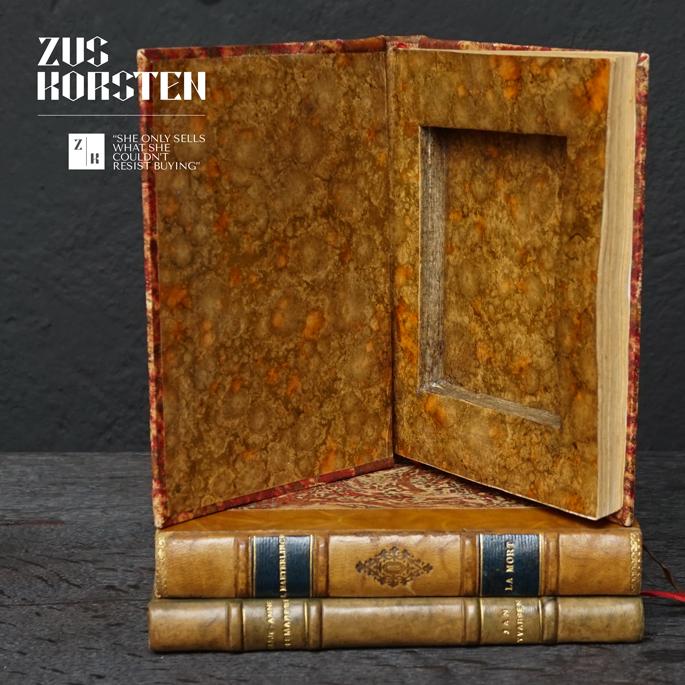 3-Secret-Books-06.jpg