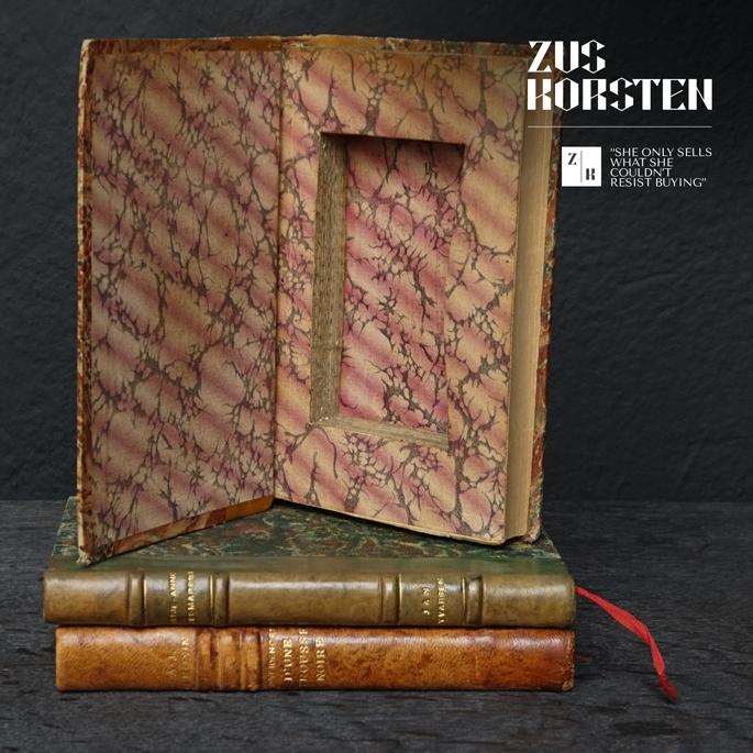 3-Secret-Books-12.jpg