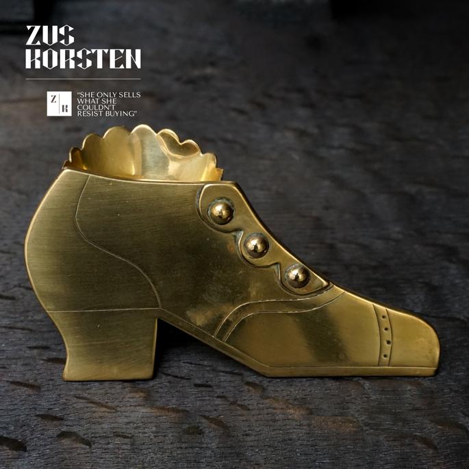 Brass-Shoes-05.jpg