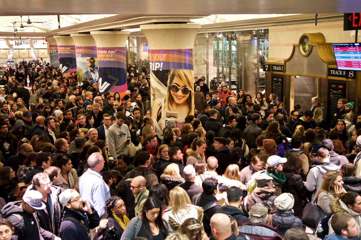 Scenes From The Hellmouth That Formed In Penn Station On Thanksgiving Eve   Gothamist: 23 Nov 2016