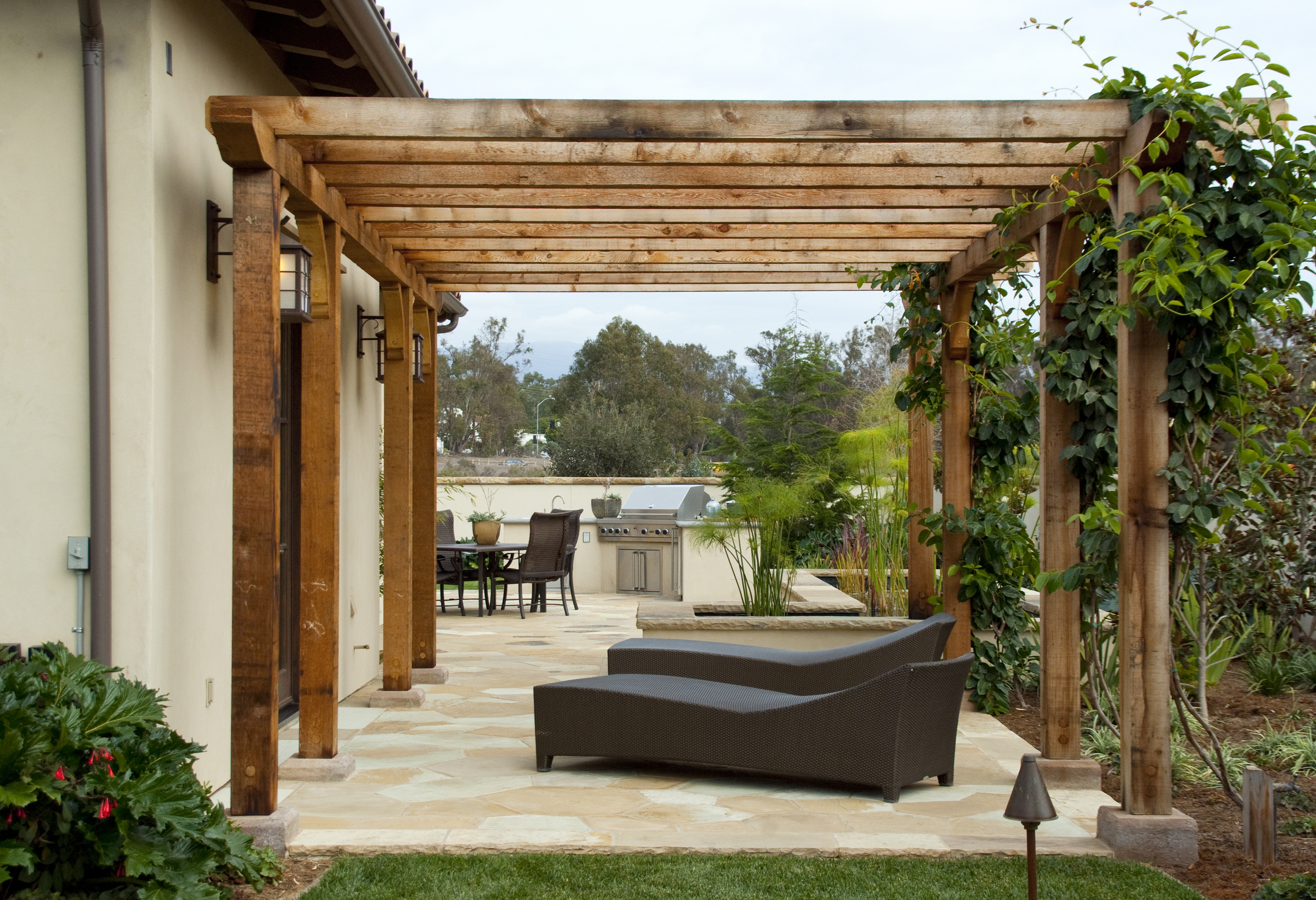 Either looking to BBQ with some friends or stretch out under a custom wood pergola with a good book and glass of local wine, Arroyo Seco Construction can create your perfect setting.