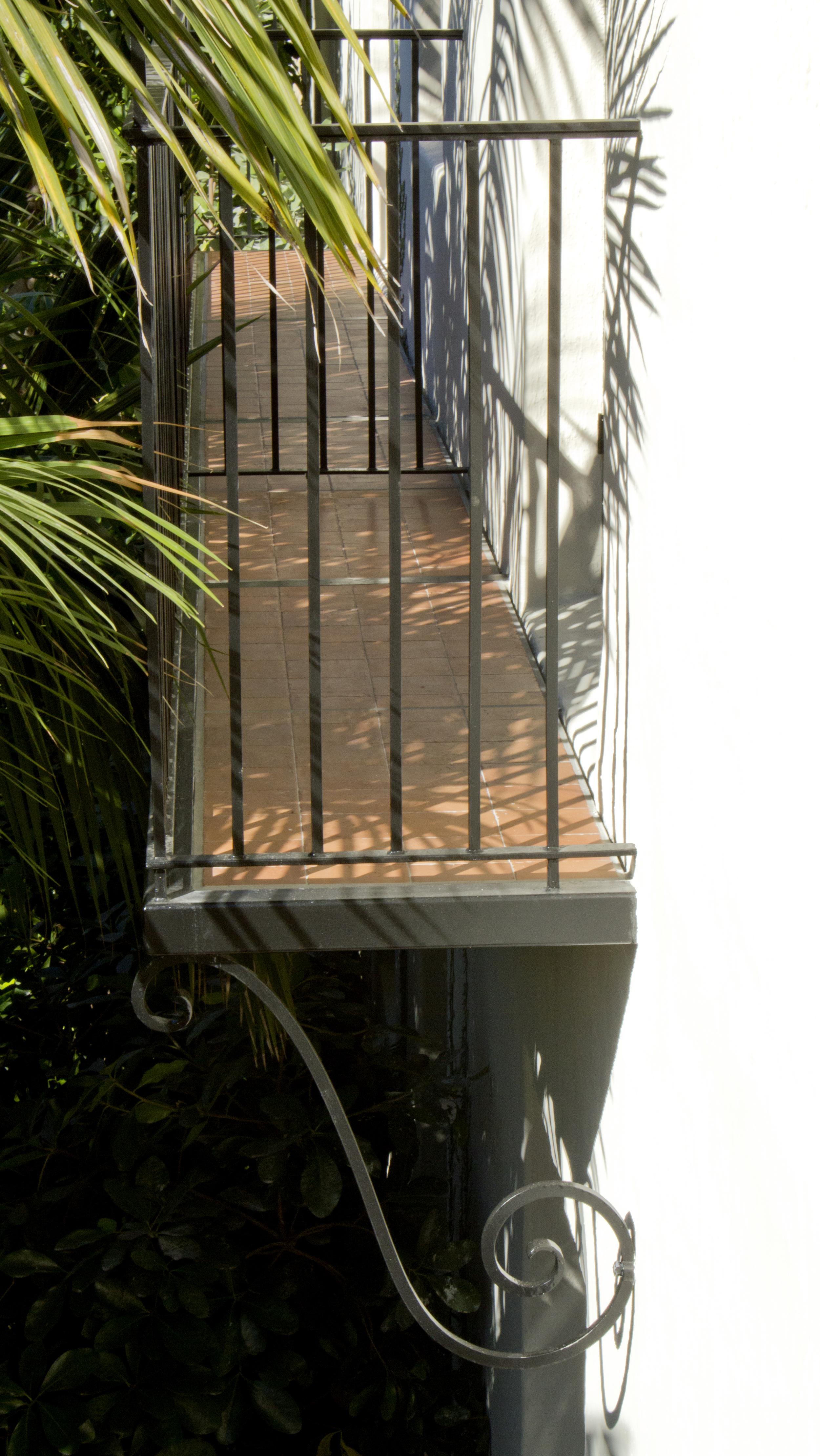 B_Balcony_IMG_4909.jpg