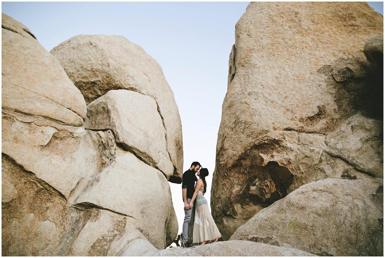 joshuatree_weddingphotographer_destinationweddingphotographer_emilychidesterphotography_0039.jpg